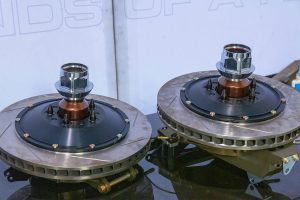 Saleen S7 LM wheel hubs and brakes (photo by Josh L) @alphaluxe